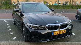 BMW 320i Black Edition