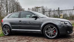 Grey Racert